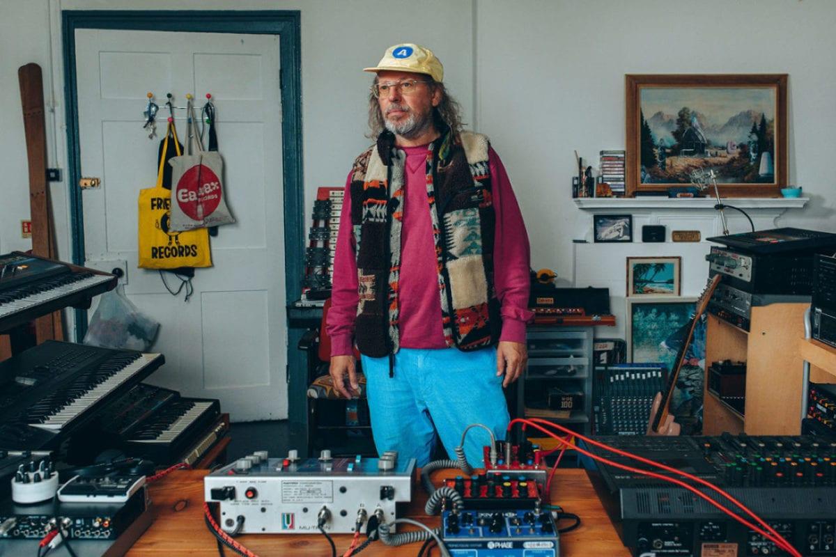Jon Tye Dom Moore Maker Studio Shot[70059]